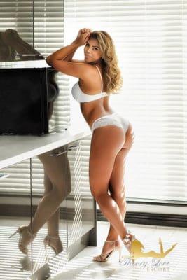 White underwear fits perfectly to Brazilian super model Bonita