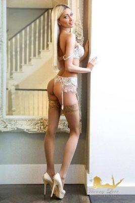 Athletic body girl is so good looking