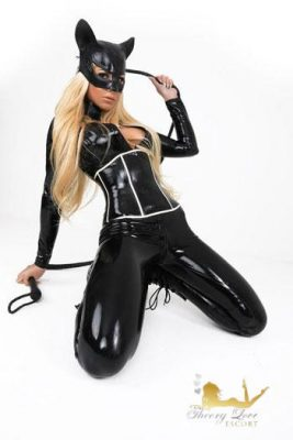 Eva is a cat girl who wants to be dominated over men